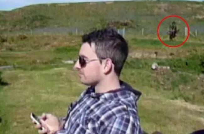 Τρομακτική φιγούρα «αιχμαλωτίστηκε» στην κάμερα!!!