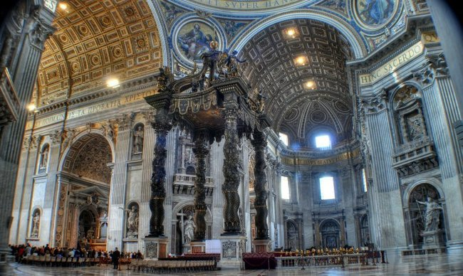 Τι κρύβεται κάτω από το Βατικανό;