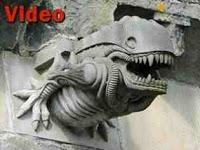 """""""Εξωγήινο"""" αγαλματάκι σε ναό του 13ου αιώνα (ΒΙΝΤΕΟ)."""