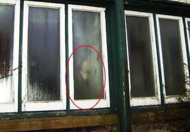 ΑΠΙΣΤΕΥΤΟ: Φάντασμα γυναίκας εμποδίζει κατεδάφιση!!!